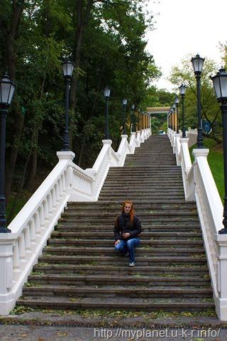 Я на сходах до Пам'ятника Магдебурзькому праву