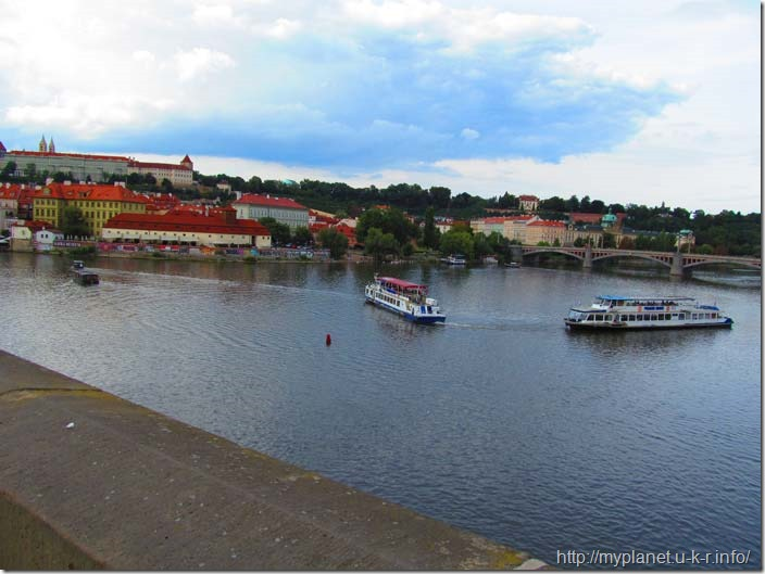 Кораблики на річці Влтава
