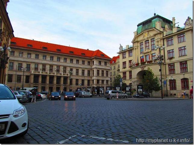 Фото одной из площадей в Праге