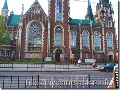 Храм святых Ольги и Елизаветы - витражные окна