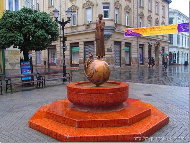 Фонтан-памятник Святого Георгия (город Дьер)