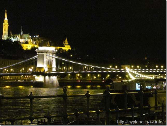 Будапештський ланцюговий міст Сечені (угор. Széchenyi lánchíd)