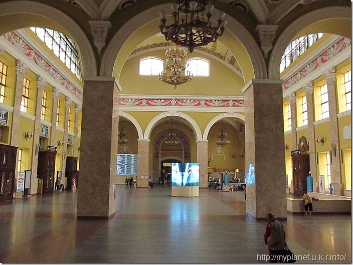 Зал Харьковского жд вокзала