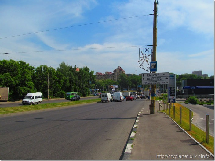 Не доходя до Порше Центра Харьков