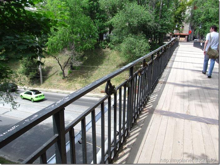 Мост над дорогой