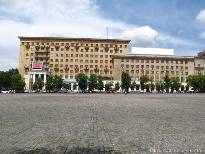 И еще один ракурс площади Свободы