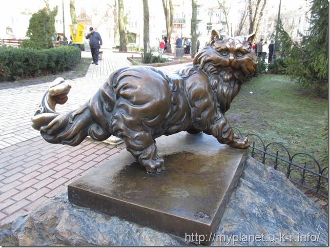 Памятник коту Пантюше в Киеве