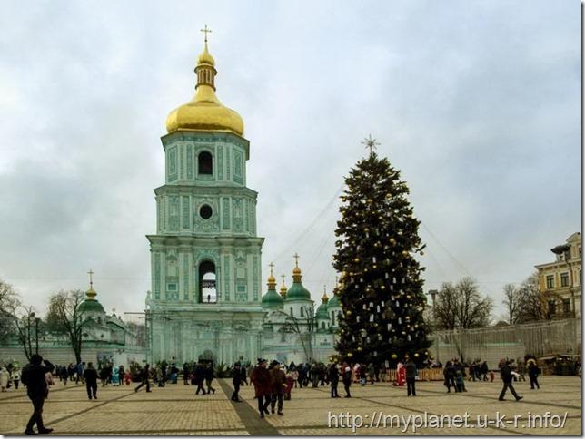 Главная новогодняя елка Украины на Софиевской площади в Киеве