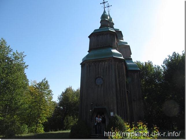Церковь из села Зарубинцы Черкасской обл., 1742 г. снаружи