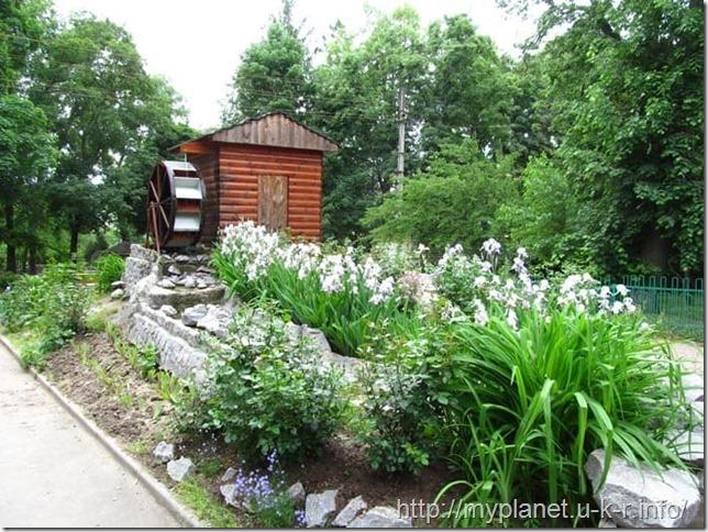 Декоративна водная мельница