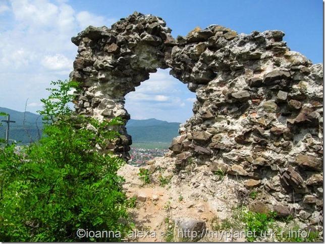 Остатки стены Хустского замка