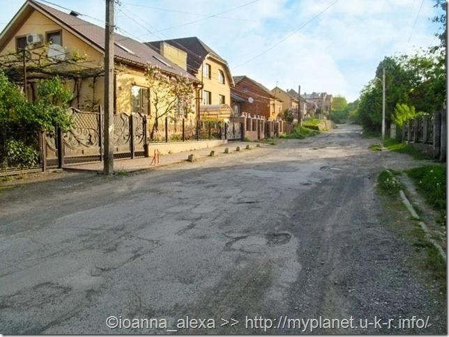 Не туристический Хуст – типичная вид улицы в украинском селе