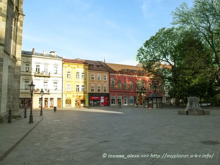 Площадь с колоколом перед Башней святого Урбана и Храмом Елизаветы в Кошице