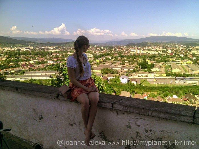 Я любуюсь пейзажами Мукачева со смотровой площадки «Северо-восточный бастион»