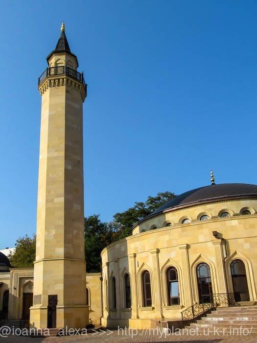 Минарет мечети Ар-Рахма