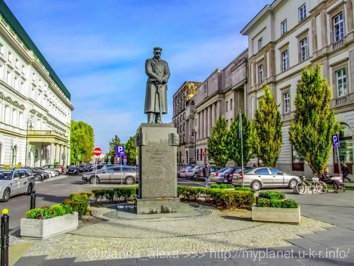 Монумент «Józef Piłsudski – 1 Marszałek Polski»