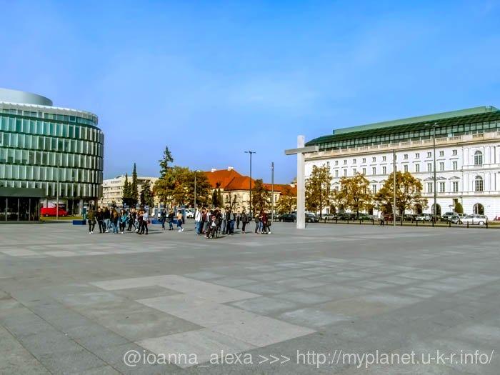 Еще один ракурс Площади Пилсудского с видом на Старый город