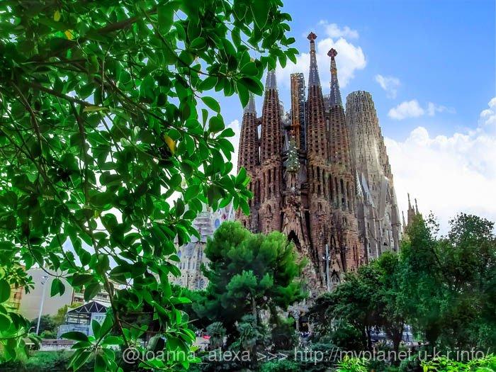 Как же не посетить Храм Святого Семейства в Барселоне?