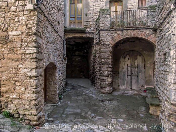 Красивые виды древней испанской деревеньки