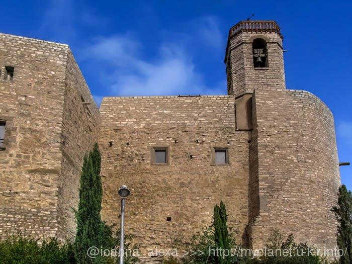 Башня церкви Сант Пере де Монфалько в Montfalco Murallat